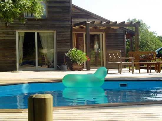 piscines en bois, les piscines hors sol à vivre... Grand choix de piscines en bois Cerland et Gardipool
