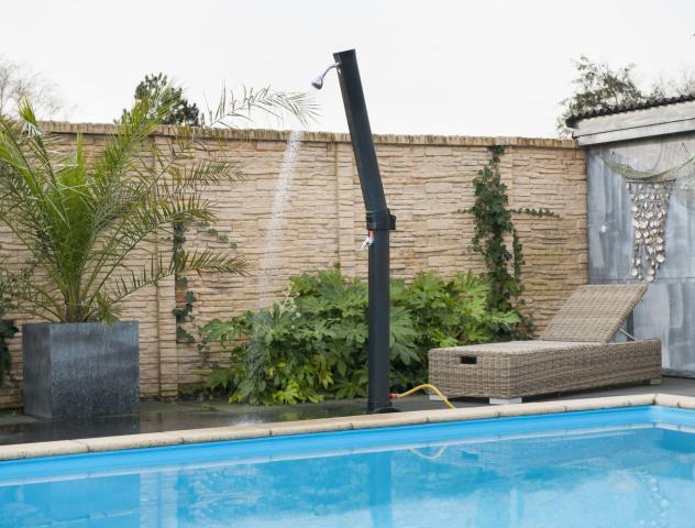 Douche solaris plus ubbink piscines bois for Douche piscine bois
